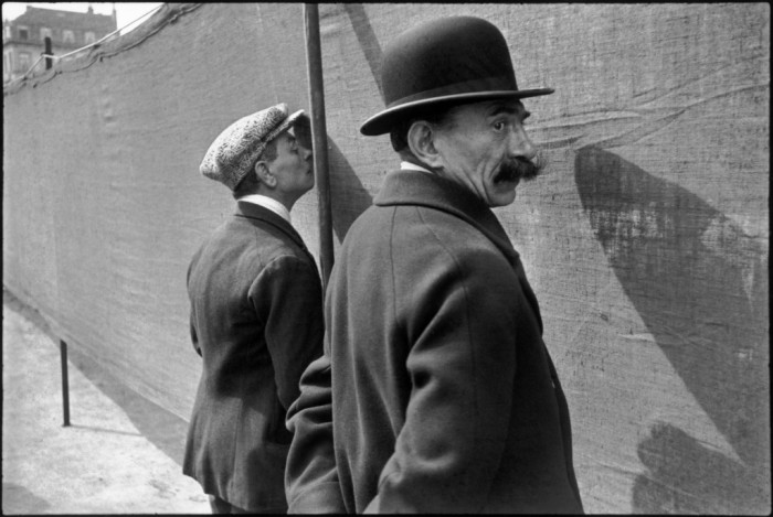 fotografia-europea-12-r_henri-cartier-bresson_brussels-belgium-1932-cartier-bresson-magnum-photos-contrasto1-1024x687